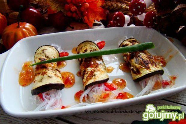 Roladki z bakłażana z makaronem chińskim