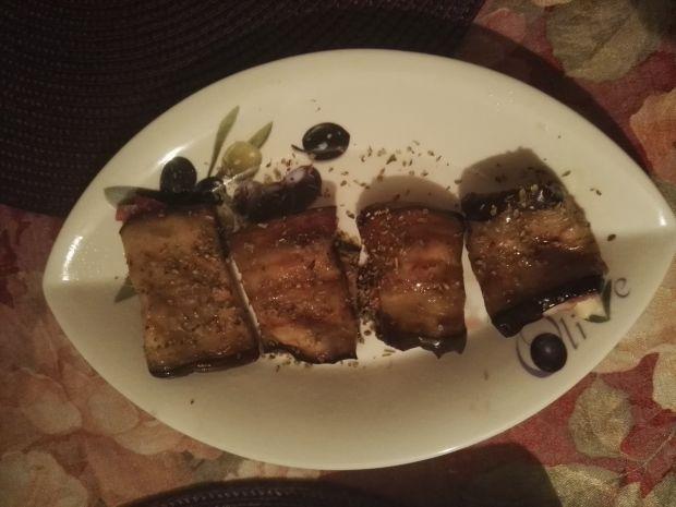 Roladki z bakłażana z szynką parmeńską i gorgonzol