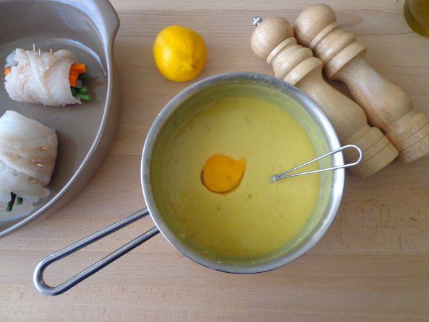 Roladki z dorsza w sosie cytrynowym