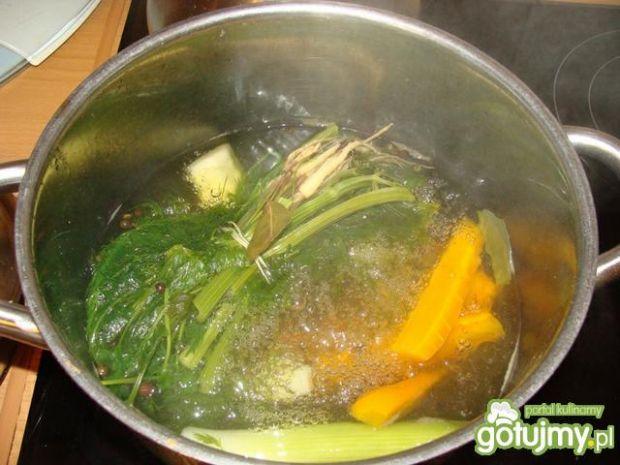 Roladki z dorsza w wywarze warzywnym