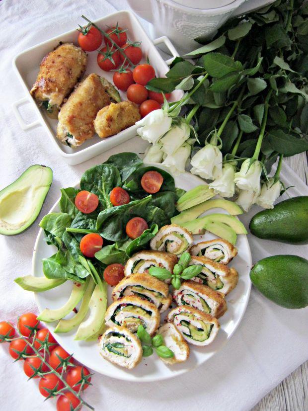 Roladki z kurczaka ze szpinakiem, awokado i serem