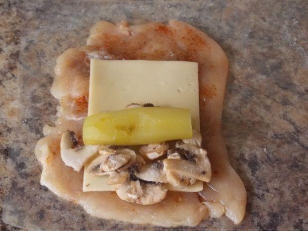 Roladki z ogórkiem, pieczarkami i serem