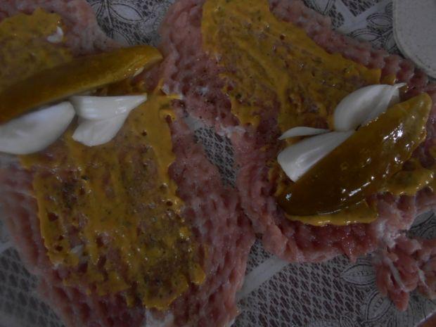 Roladki z ogórkiem w sosie grzybowym