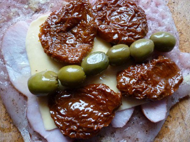 Roladki z oliwkami i serem