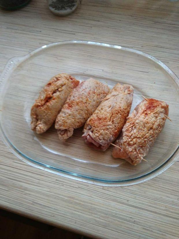 Roladki z polędwiczek z mięsem mielonym i papryką
