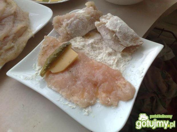 Roladki z serem,boczkiem i ogórkiem