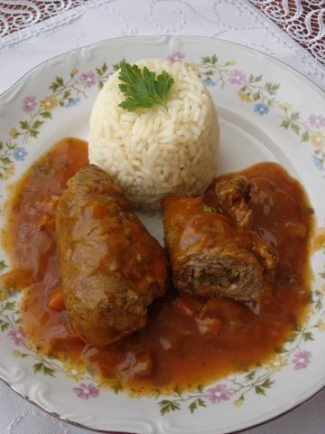 Rolady wołowe w sosie pieczarkowym