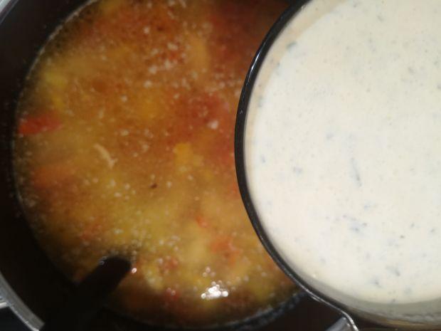 Rozgrzewająca zupa 4 sery