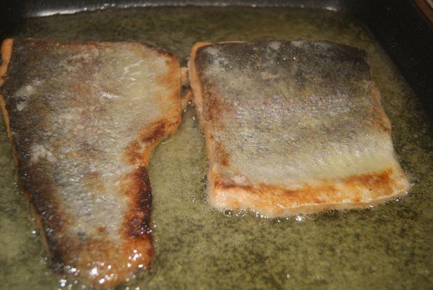 Ryba smażona wekowana w prostej zalewie octowej