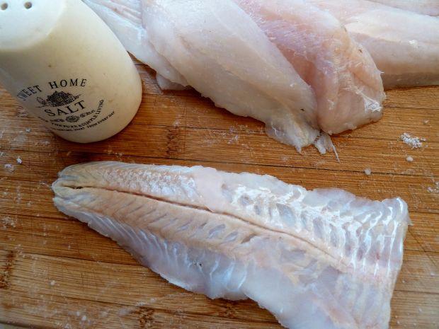 Ryba zapiekana z warzywami i żółtym serem
