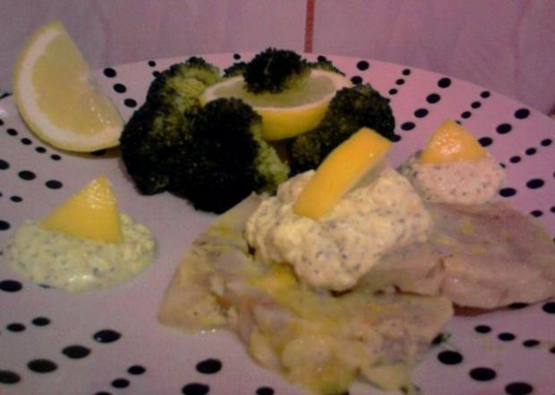 Rybeczka z sosem cytrynowym