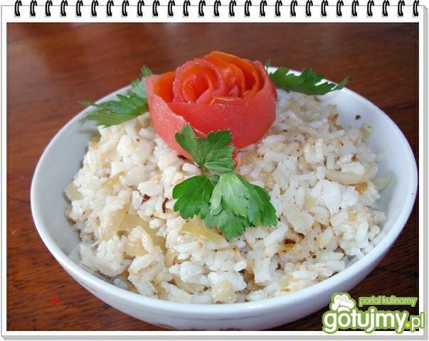Ryż Eli ze smażoną kiełbasą i cebulką