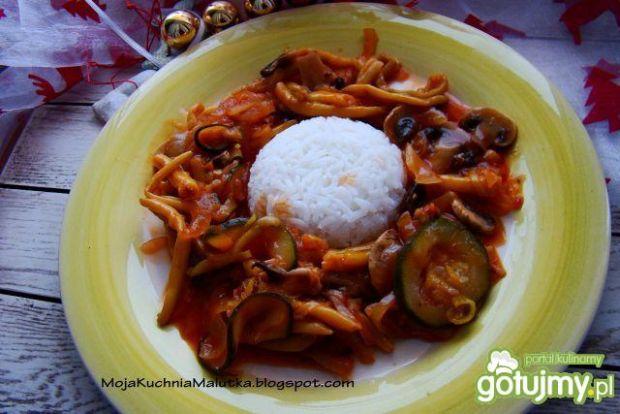 Ryż jaśminowy z potrawka warzywną