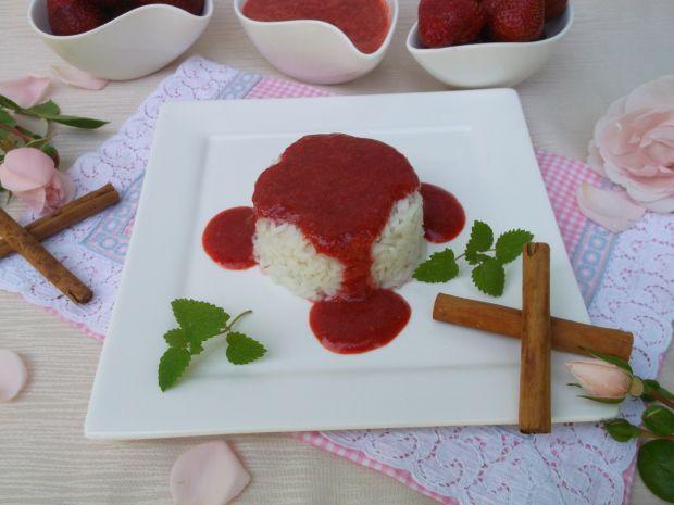 Ryż na mleku z truskawkami