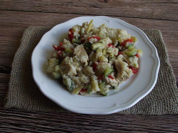 Ryż na winie z warzywami i kurczakiem
