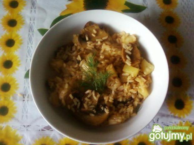 Ryż z ananasem*