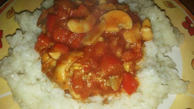 Ryż z gulaszem warzywnym