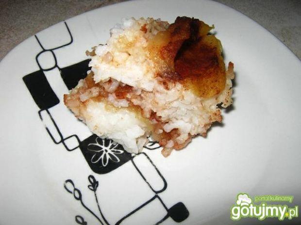 Ryż z jabłkami.