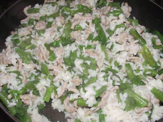 Ryż z mięsem mielonym i fasolką