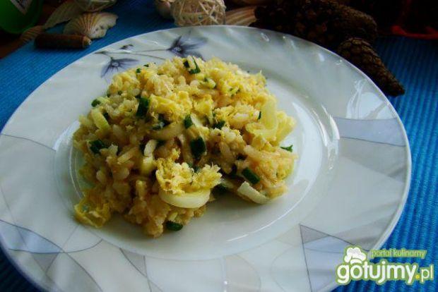 Ryż z porem i jajkiem na ciepło