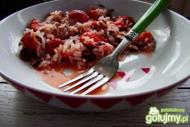 Ryż z truskawkami, rodzynkami i miodziki