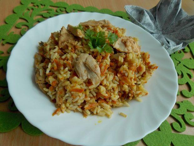 Ryż z warzywami i pieczonym kurczakiem