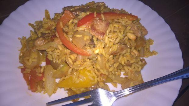 Ryż z warzywami i wieprzowiną