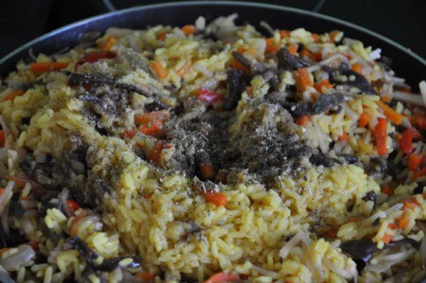 Ryż z warzywami i ziołami.