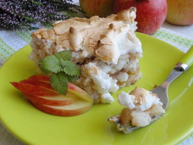 Ryż zapiekany z jabłkami i bezą