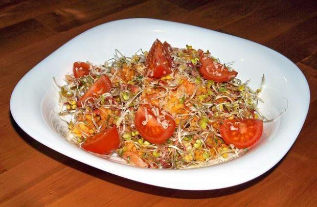ryżowa potrawka pod kiełkami