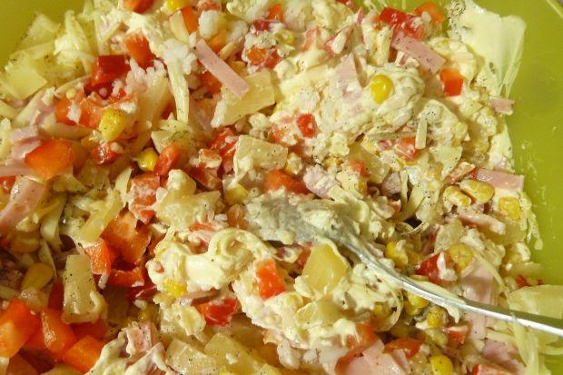 Ryżowa sałatka z papryką i słonecznikiem