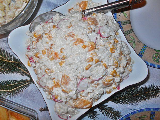 Ryżowa sałatka z surimi