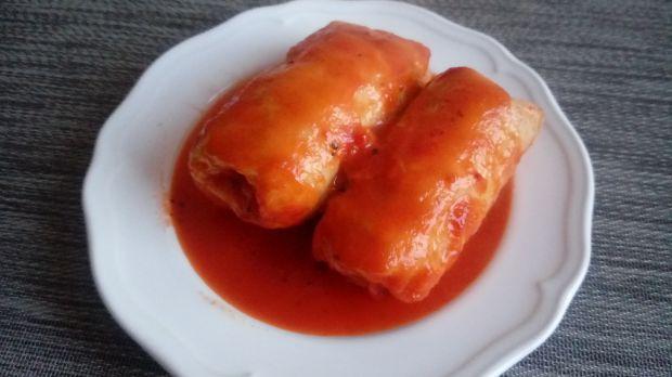 Ryżowe gołąbki w sosie pomidorowo paprykowym