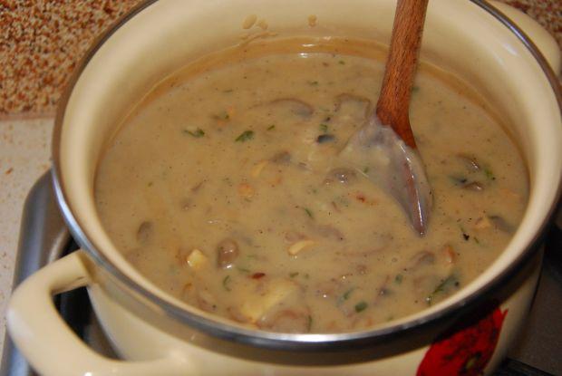 Sajgonki po polsku z sosem pieczarkowym