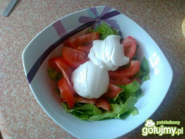 Sałata dębowa z pomidorem