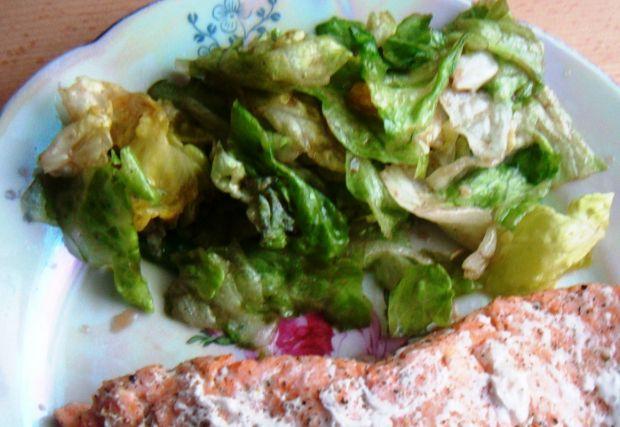 Sałata lodowa w brązowym sosie