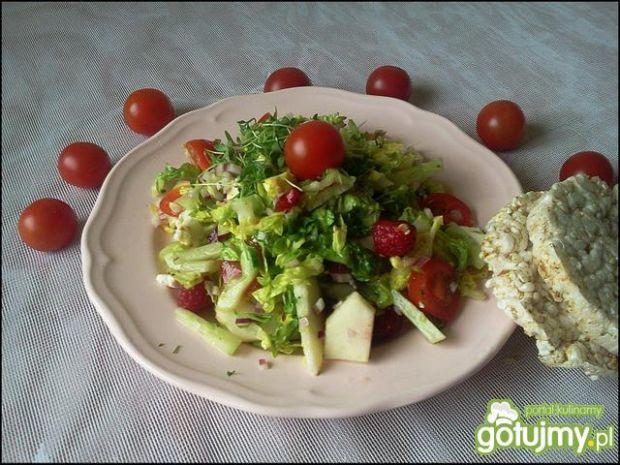 Sałata rzymska z grillowaną feta