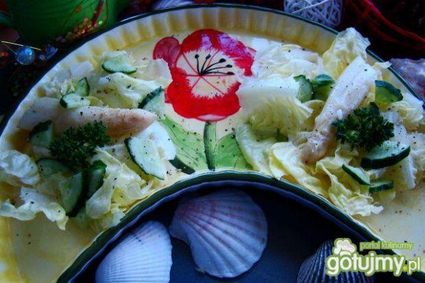 Sałata z gotowanymi szparagami