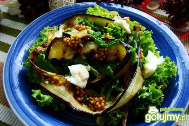 Sałata z grillowanym bakłażanem