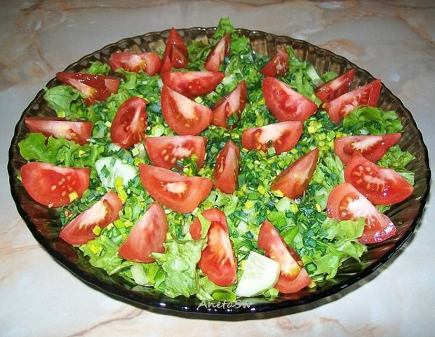 Sałata z jagodami goji