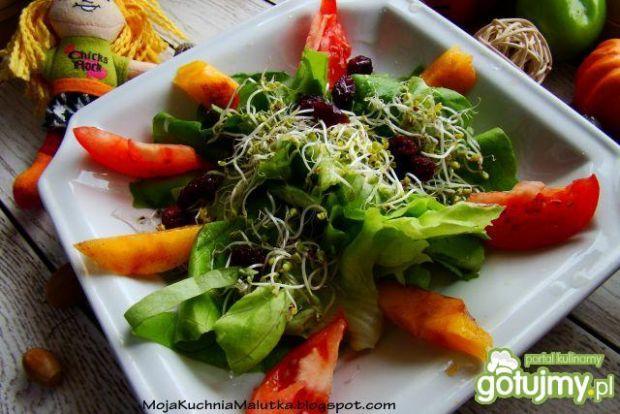 Sałata z kaki i pomidorem