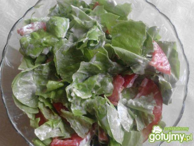 Sałata z pomidorami ze śmietaną