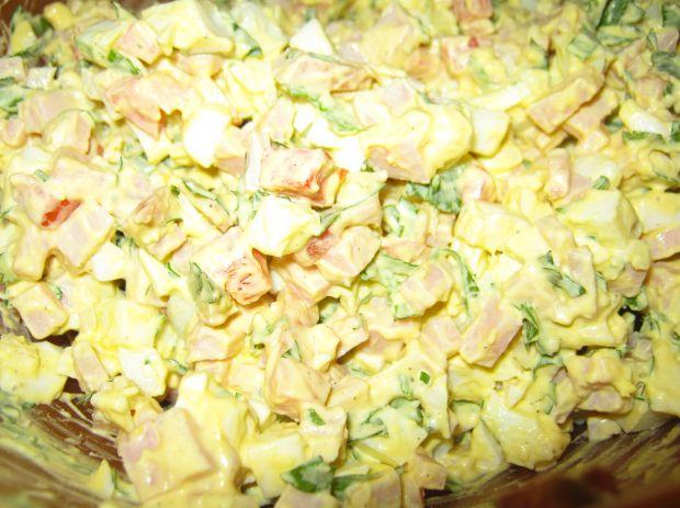 Sałatka albo pasta na pieczywo
