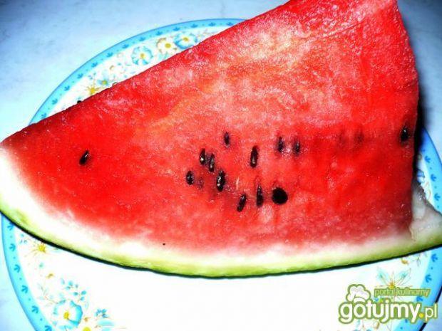 Sałatka arbuzowa z makaronem