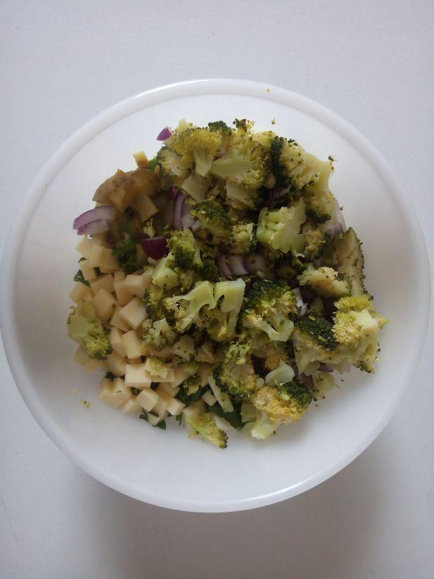 Salatka brokułowa