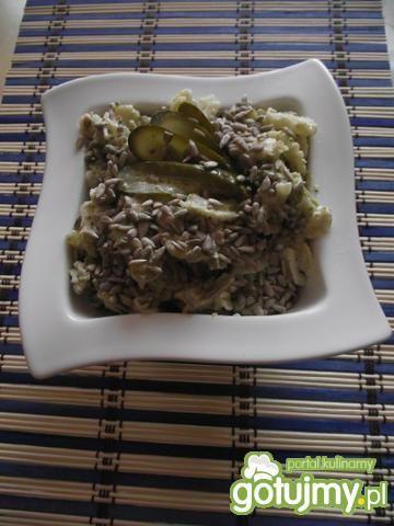 Sałatka brokułowa ze słonecznikiem 2