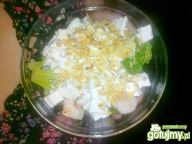 Sałatka brokułowo - krewetkowa