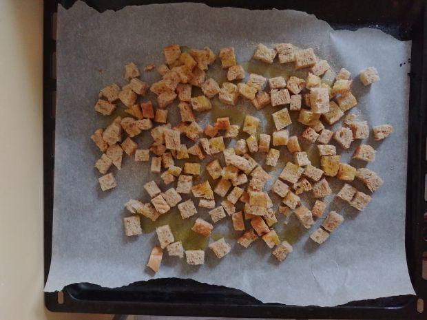 Sałatka cezar z krewetkami i boczkiem