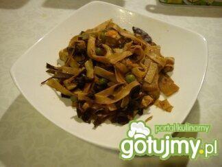 Sałatka chińska na ciepło