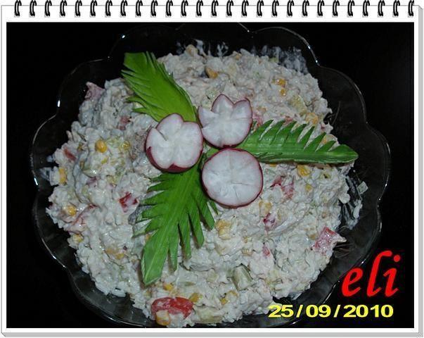 Sałatka Eli z wędzoną makrelą